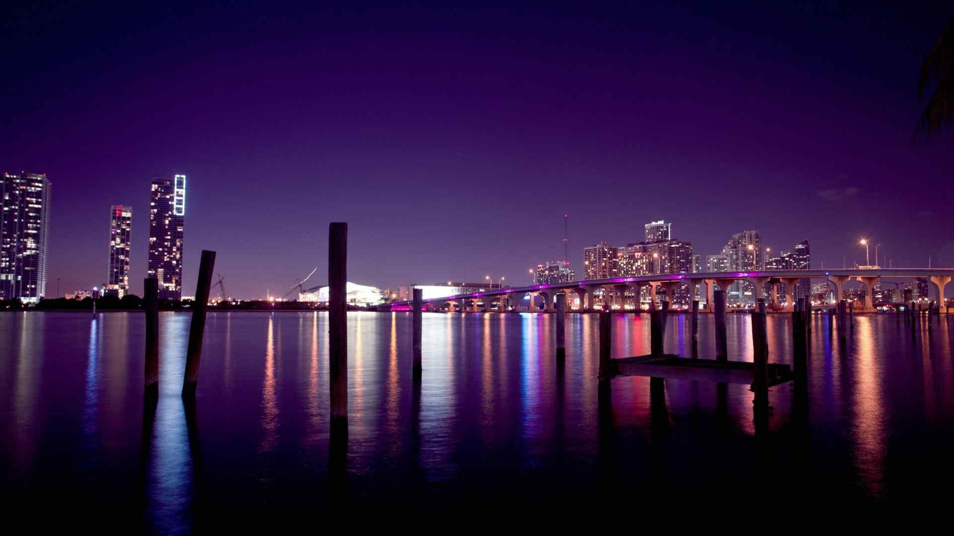 紫光靓丽夜景壁纸