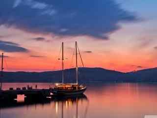 精选夕阳下的海港