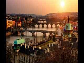 夕阳西下捷克布拉格城市风貌桌面壁纸下载