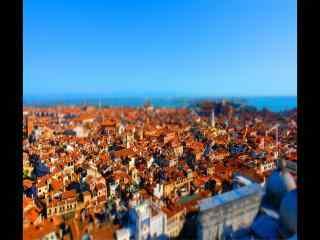 蓝天红瓦都市俯视