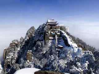 冬日里雪天的黄山奇景桌面壁纸