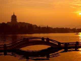 杭州西湖夕阳下的