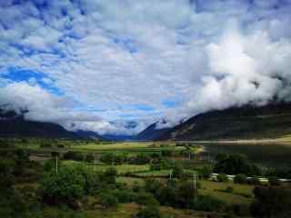 雅鲁藏布江大峡谷之蓝天白云桌面壁纸