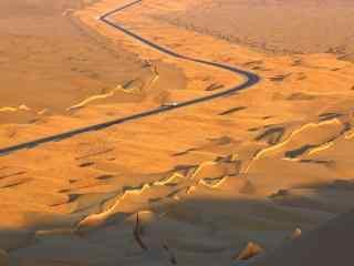 新疆塔克拉玛干沙漠戈壁风光高清桌面壁纸