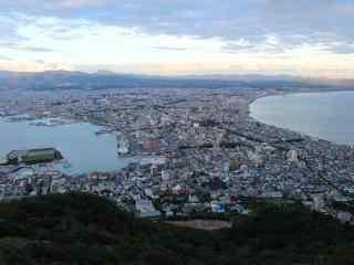 日出俯瞰函馆夜景地北海道风光桌面壁纸