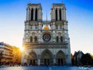壮丽的法国巴黎圣母院桌面壁纸