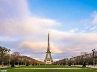 唯美法国埃菲尔铁塔桌面壁纸