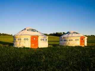 夕阳下的草原蒙古包高清壁纸