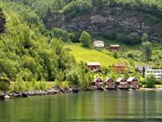 挪威峡湾田园小镇风景高清电脑桌面壁纸