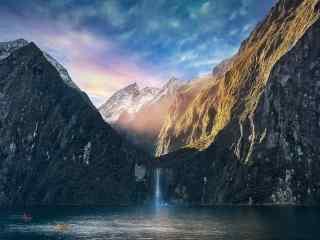 新西兰唯美的米尔福德峡湾风景壁纸