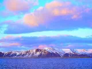 冰岛唯美黄昏雪山湖泊风景桌面壁纸