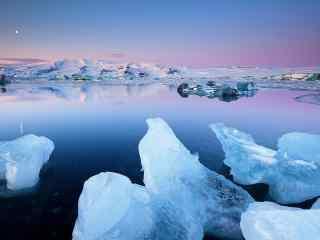 冰岛日落绮丽冰川风光桌面壁纸