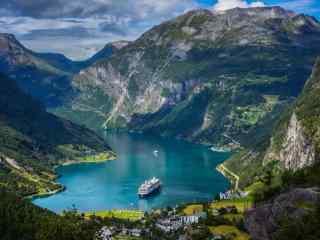 北欧国家挪威峡湾风景高清电脑桌面壁纸