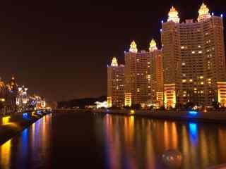 大连河岸建筑城市华丽夜景图