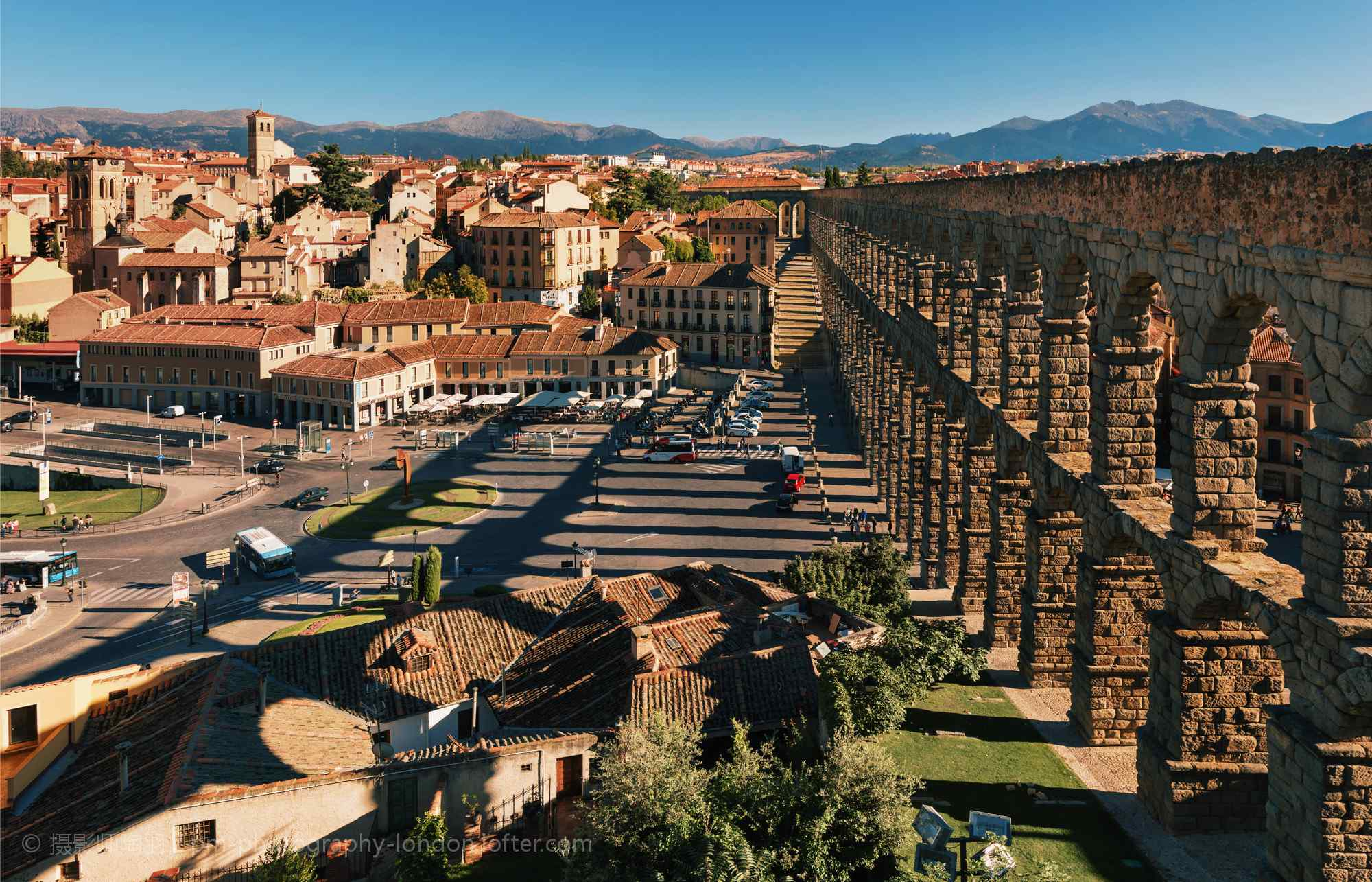 西班牙Avila保存完好的古城桌面壁纸