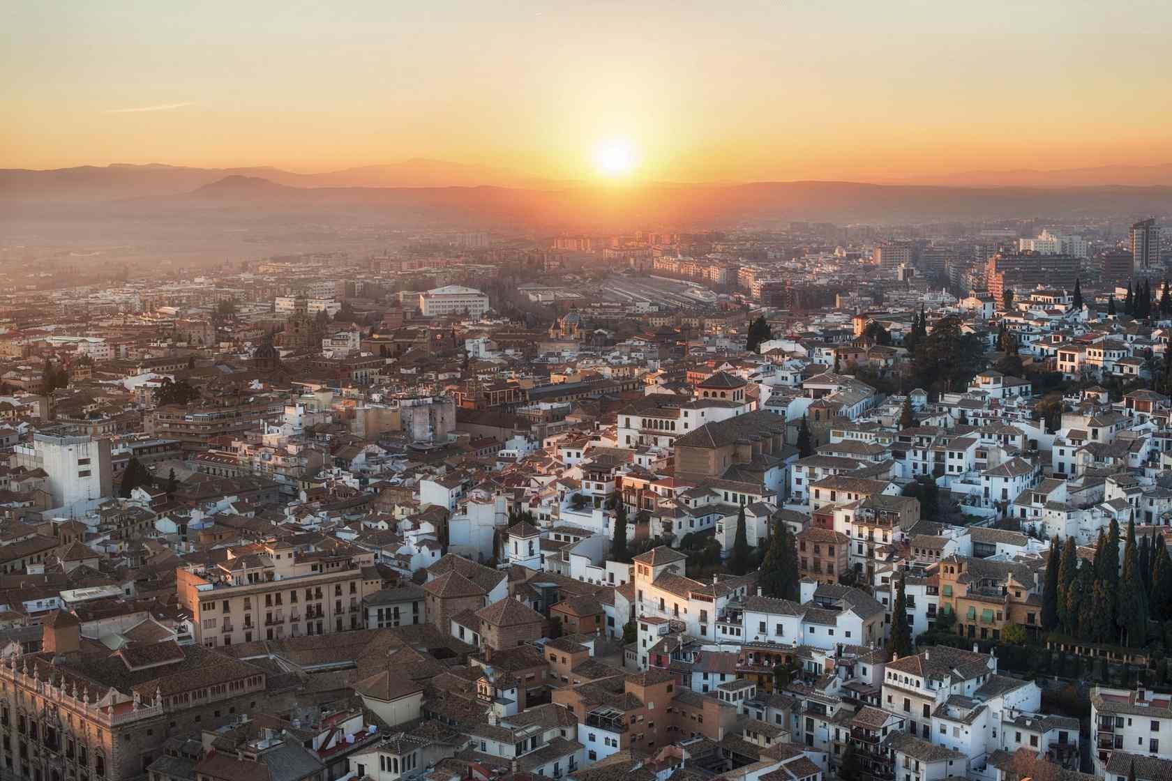 西班牙夕阳下格拉纳达城市桌面壁纸