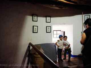 西班牙风车的内部参观桌面壁纸
