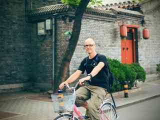 北京后海胡同骑自行车桌面壁纸