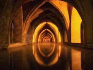 西班牙塞维利亚王宫的地下浴室桌面壁纸