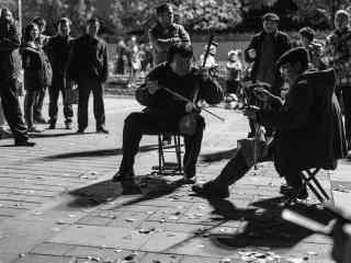 北京后海胡同两位老人斗二胡桌面壁纸