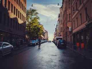 北欧城市风光雨后清新芬兰城市街景桌面壁纸