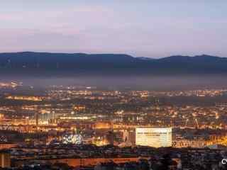 西班牙安达卢西亚自治区城市夜景桌面壁纸