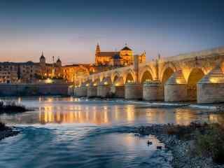 西班牙夜景这中的科尔多瓦桌面壁纸