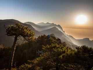 庐山上的壮丽唯美日出桌面壁纸