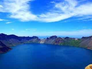 湛蓝的长白山风景图片桌面壁纸
