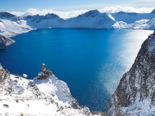 湛蓝的长白山风景壁纸图片下载