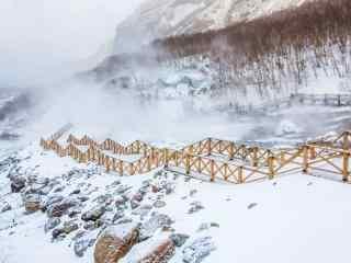 长白山雪中栈道风景图片壁纸