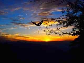 日落华山唯美风景桌面壁纸