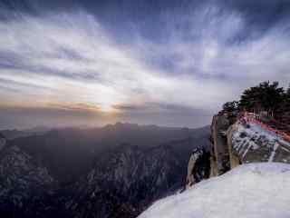 日出的华山风景桌面壁纸