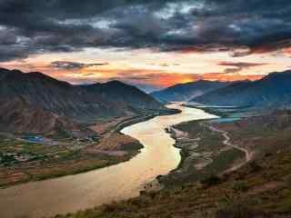 雅鲁藏布江日落风景桌面壁纸