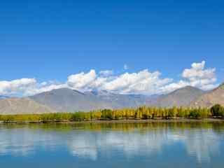 雅鲁藏布江如画的自然风景桌面壁纸