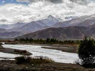雅鲁藏布江山水风光图片桌面壁纸