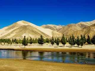 雅鲁藏布江沿岸风景图片电脑桌面