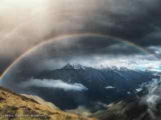 壮观的雨后彩虹景象风景壁纸