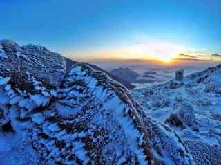 太白山日出雪景桌面壁纸
