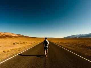 广阔的公路风景桌面壁纸
