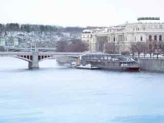 雪后布拉格唯美风景桌面壁纸