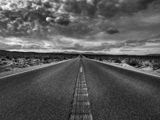 创意黑白公路风景桌面壁纸