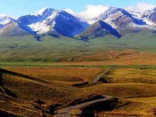 唯美的天山山脉自然风景图片电脑桌面壁纸
