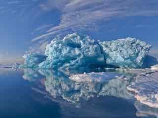 奇特造型的北极冰川风景图片桌面壁纸