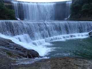 大坝瀑布风景图片