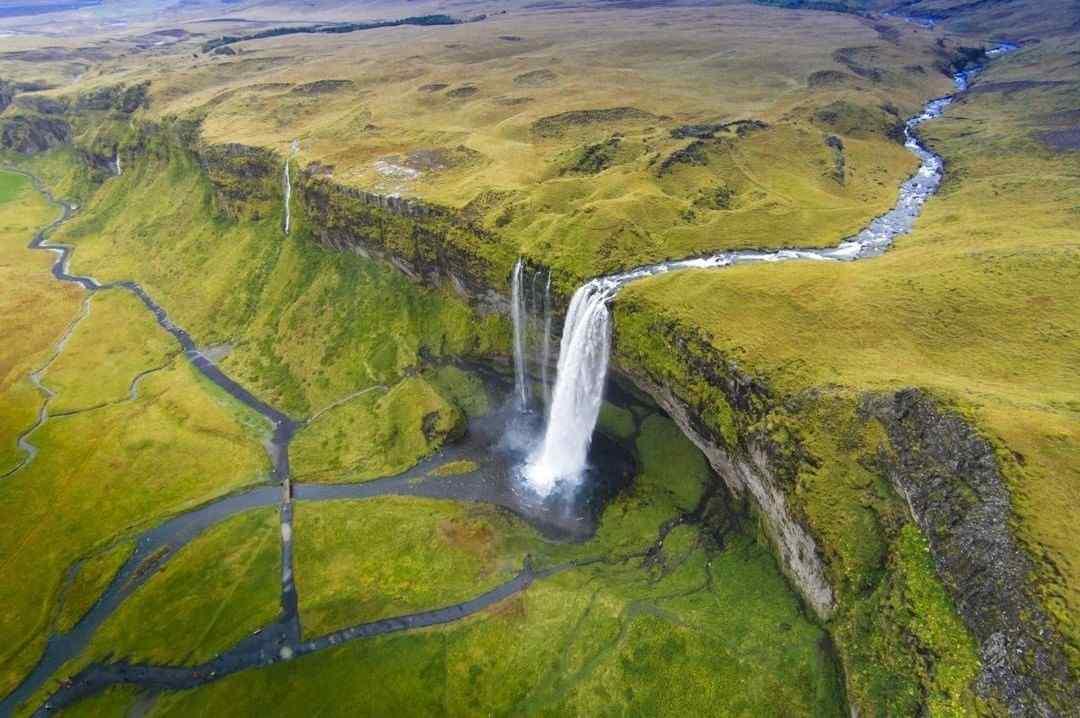 冰岛塞里雅兰瀑布风景图片