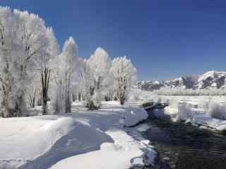 冬季河流雪景风景图片桌面壁纸