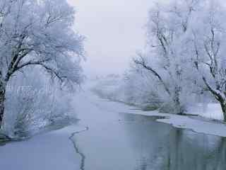 唯美冬季河流风景图片桌面壁纸