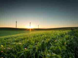 辽阔草原上的风车