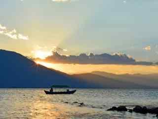 大理洱海日落而息风景图片桌面壁纸